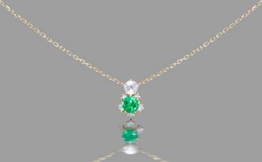 Emerald Crest Necklace
