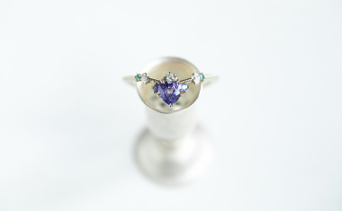 Curved Sapphire Heart Ring