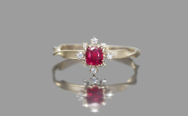 Twisting Spinel Snowflake Ring